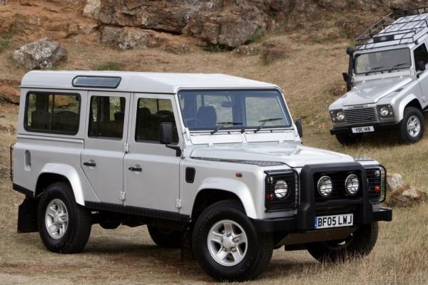 Попытка прогнуться / Тест-драйв Land Rover Defender 90