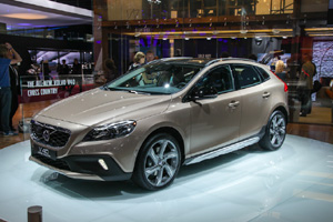 В Париже показали Volvo V40 Cross Country