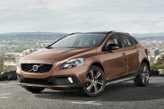 Volvo V40 Cross Country получил дизель и стал доступнее