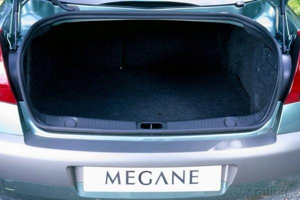Со знанием французского / Тест-драйв Renault Megane
