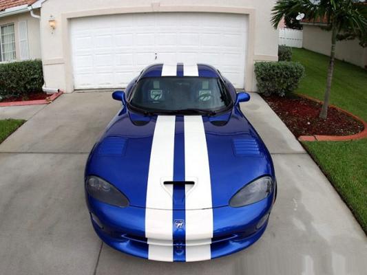 Новый Dodge Viper после доводки в Startech