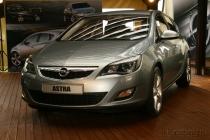 Opel Astra выходит из предпремьерной тени