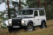 Land Rover Defender: лед и пламя