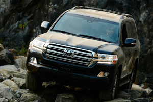 Toyota Land Cruiser 200 обновился