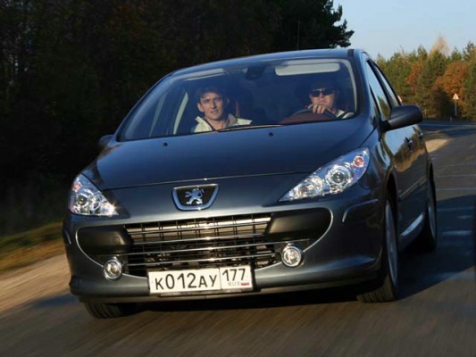 Peugeot 307: новая мордашка