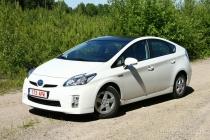 Toyota Prius: на батарейках с моторчиком