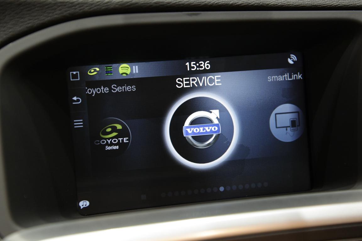 Обновленные модели Volvo отличаются не только 7-дюймовым тачскрин монитором высокой четкости, но и наличием средств онлайн-коммуникации