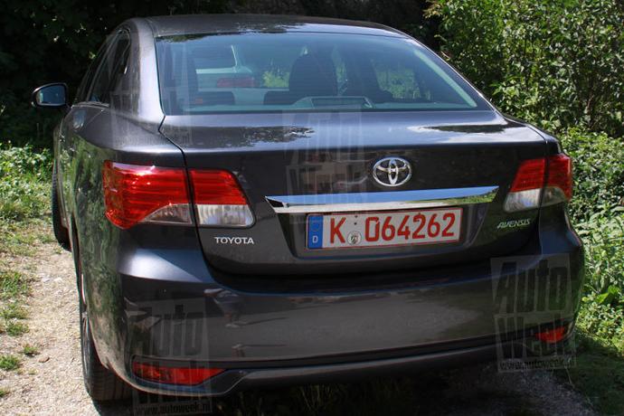 Avensis2012.jpg