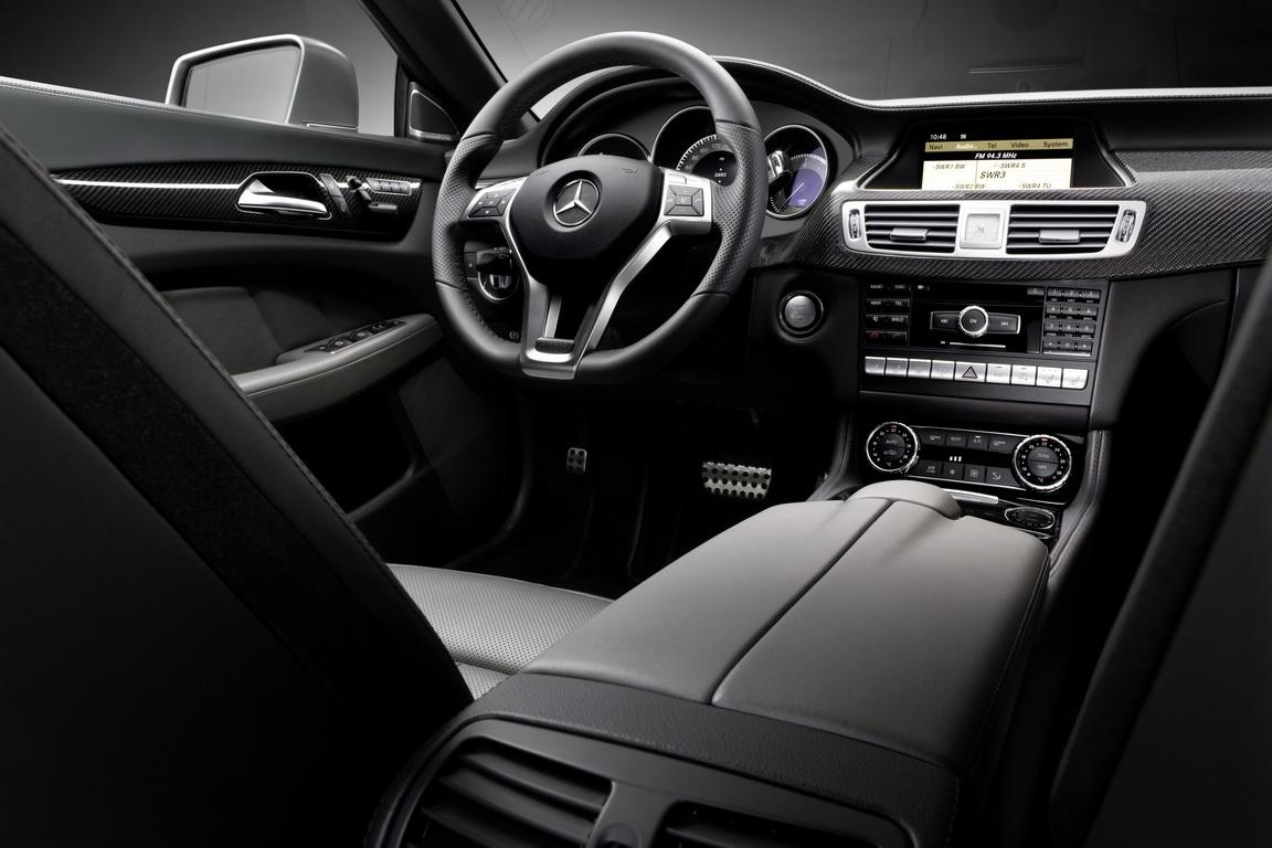 Mercedes-Benz-CLS-Class-2011_3.jpg