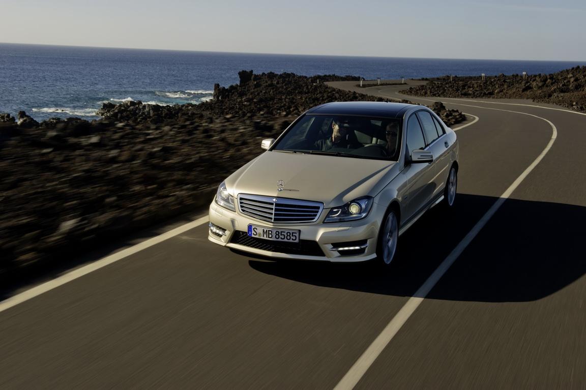 Mercedes-BenzC-Class_27.jpg
