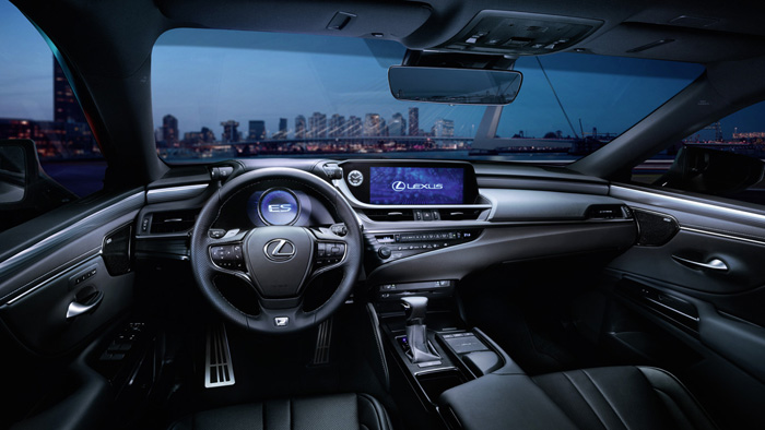 Новый Lexus ES доберется до России осенью