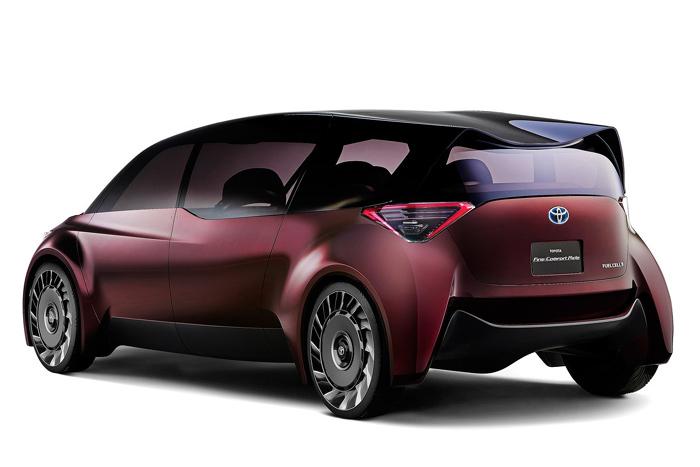 Новый концептуальный автомобиль Тоёта стирает границы между седаном иминивэном