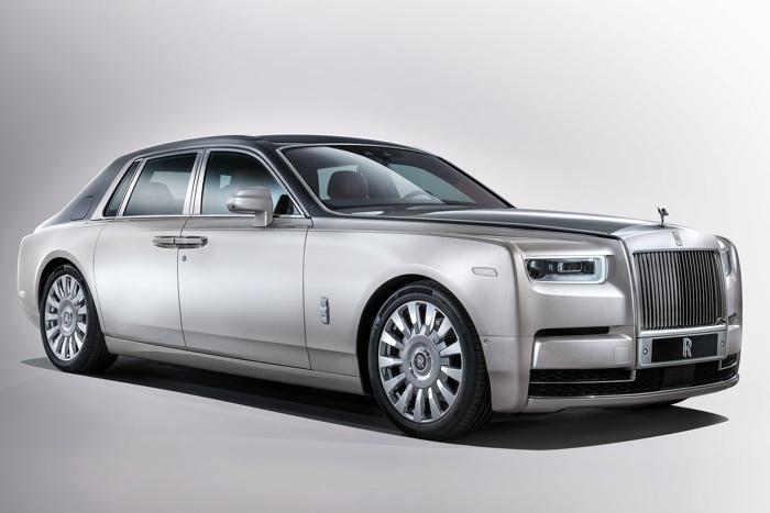 Новый седан Роллс Ройс Phantom вышел на русский рынок