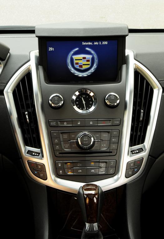 Cadillac SRX Интерьер