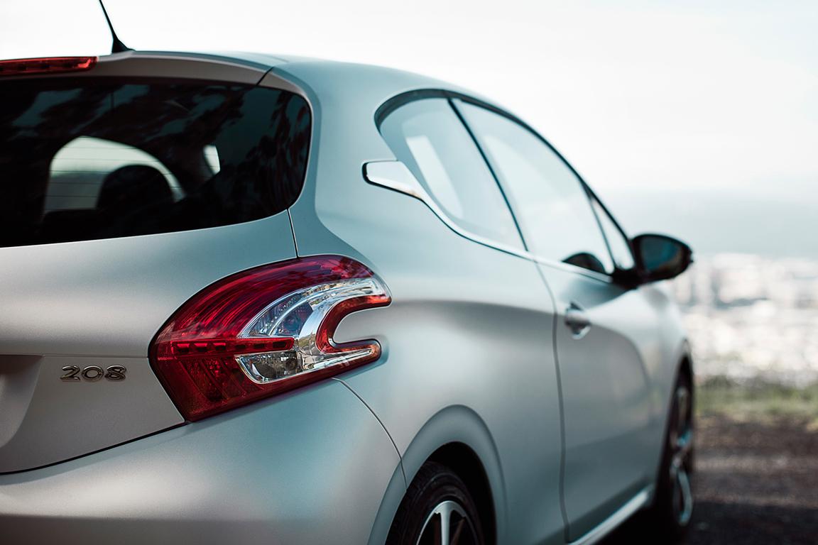 Peugeot 208 ETG: Удобство для города