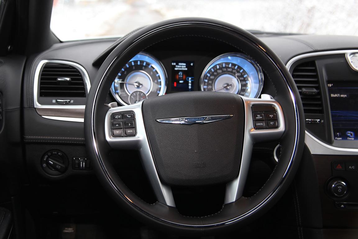 Chrysler 300С: Американский брат