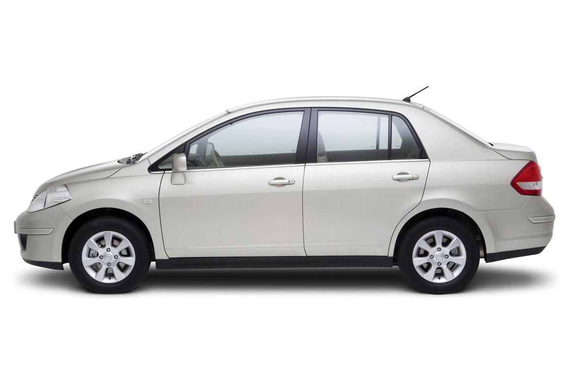 Nissan Tiiada Sedan
