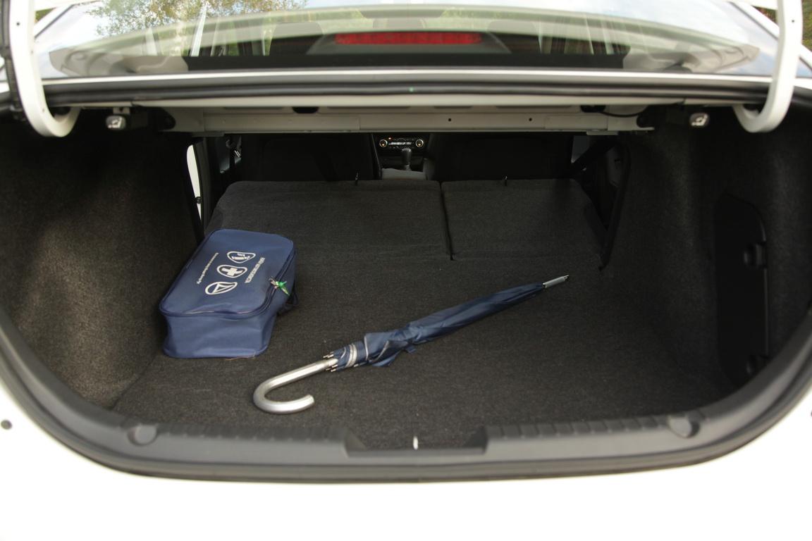Mazda3: пробуем седан