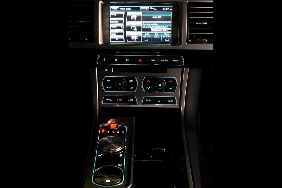 Jaguar-XF_2012_1280x960_wallpaper_4c.jpg