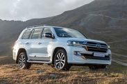 Новая версия Toyota Land Cruiser 200 в продаже