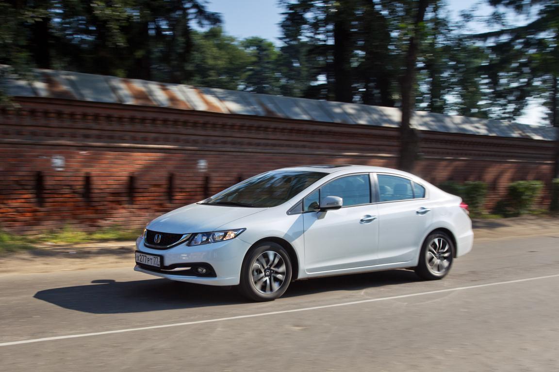 Honda Civic 4D: Самый важный