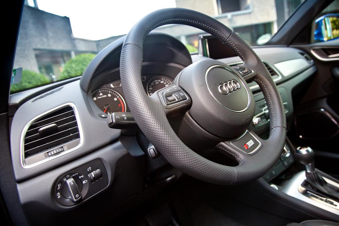 Audi-Q3-AutoRating-Ru_23.jpg