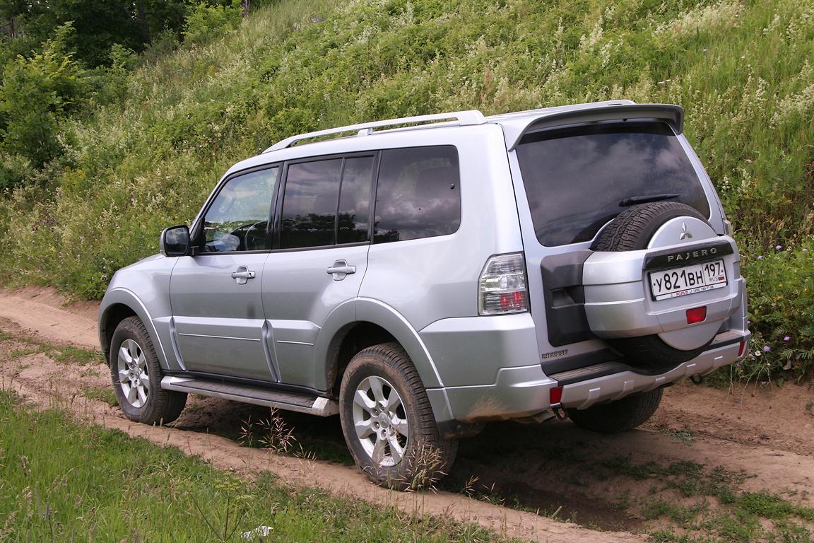 Mitsubishi-Pajero-IV_04.jpg