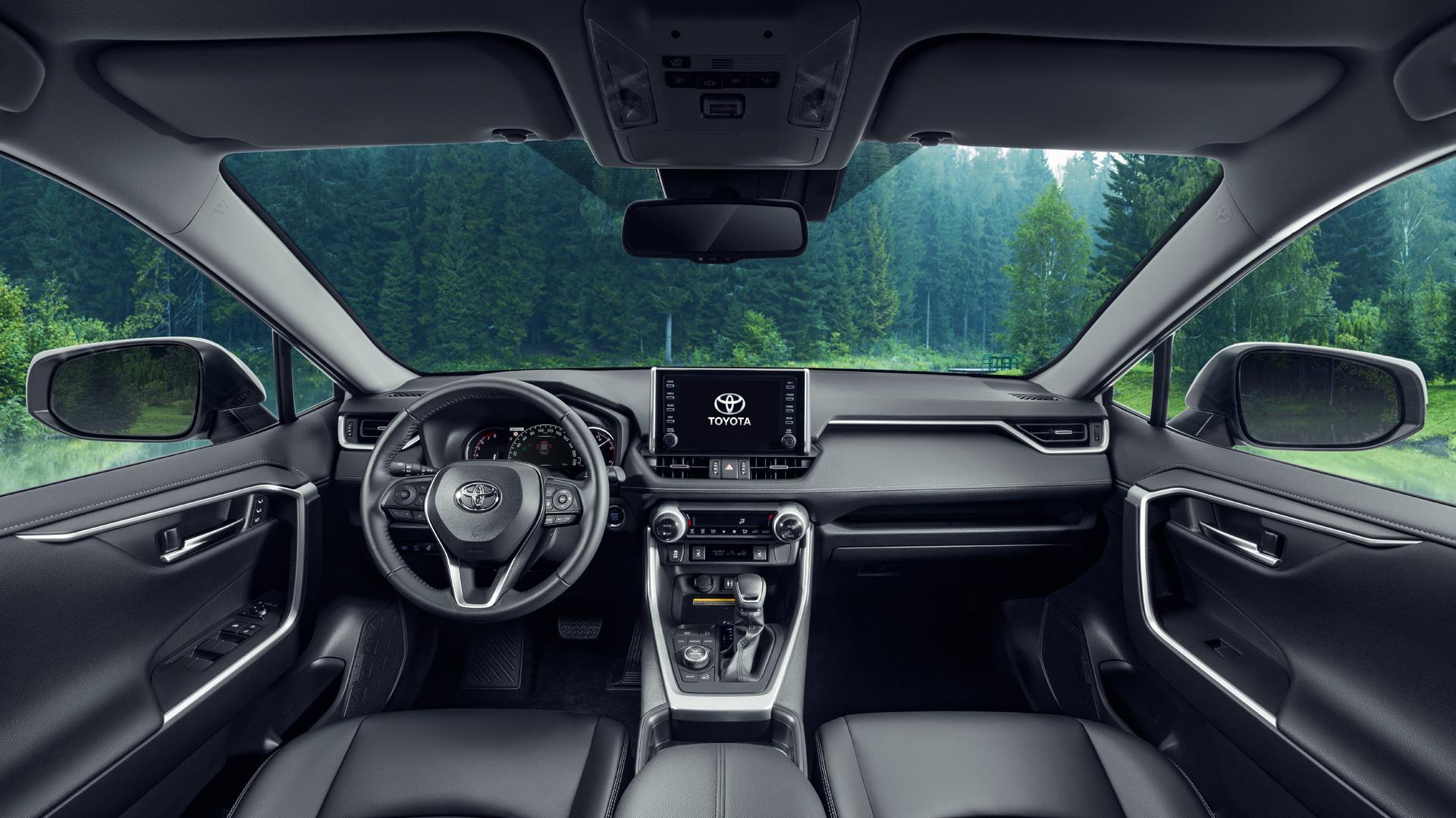 Новый Toyota RAV4 в России цены