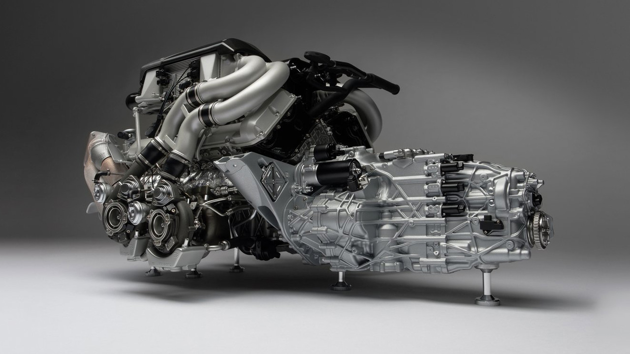 Bugatti Chiron Мотор W16