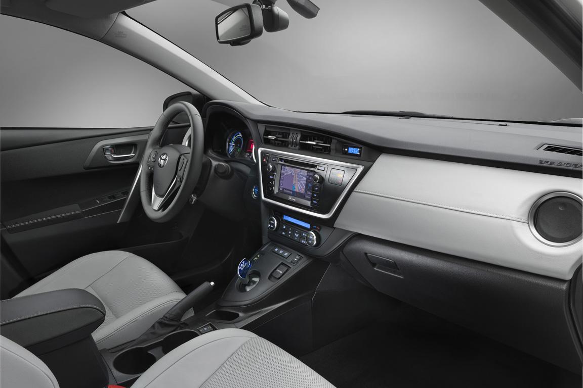Toyota Auris / Тойота Аурис