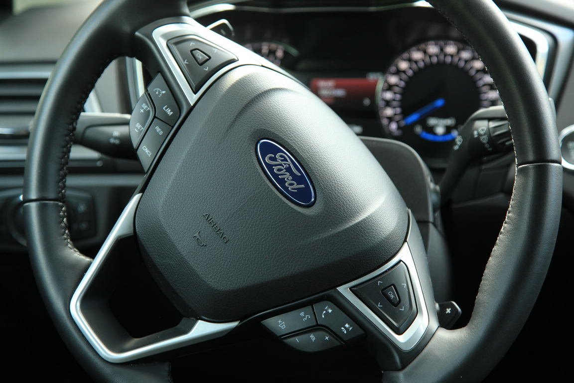 Ford Mondeo: запрягаем 199 лошадок