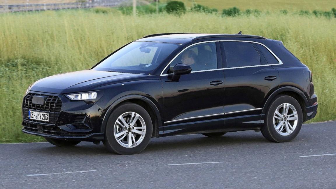 Предсерийный Audi Q3 второго поколения
