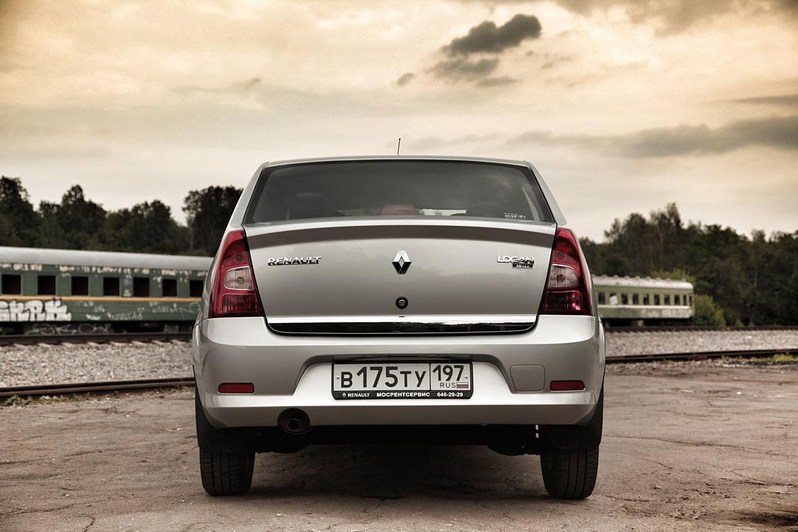 Renault Logan: дружба на автомате
