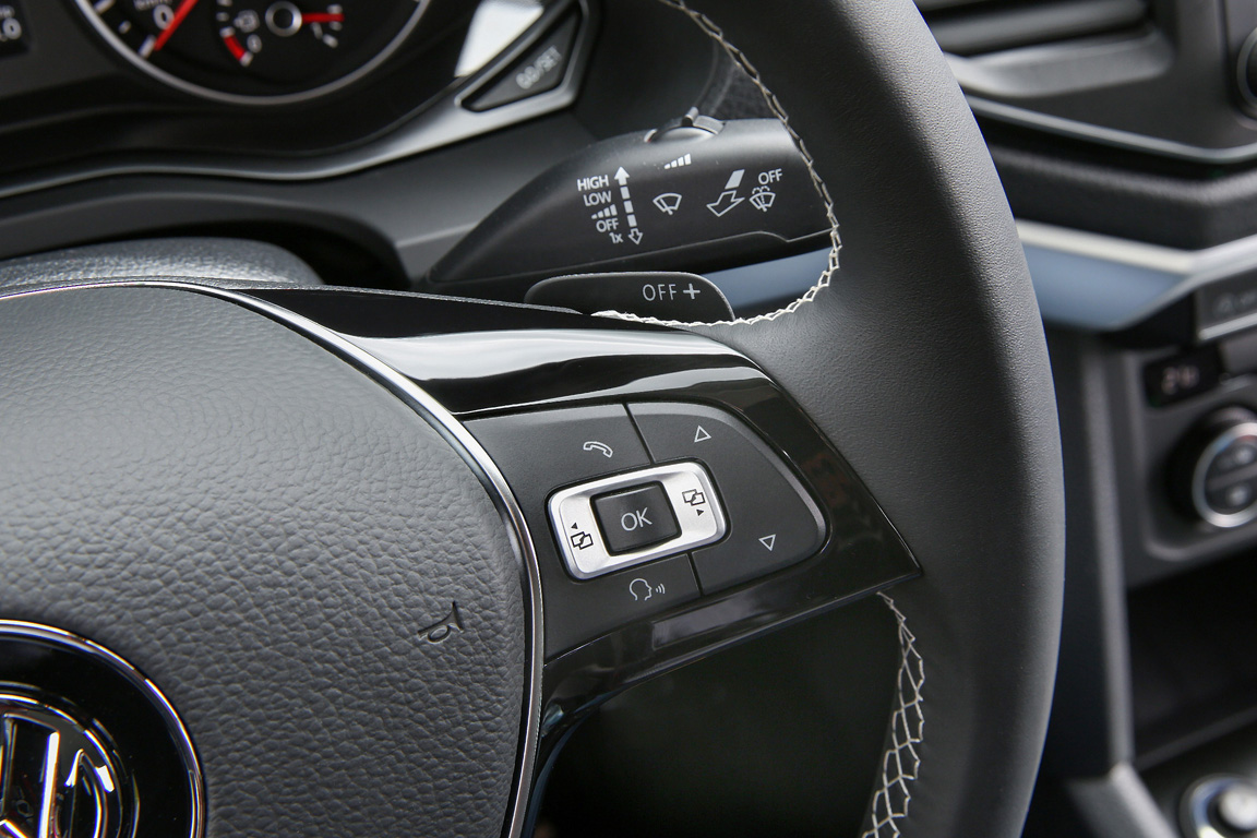 Volkswagen Amarok 2017 Мультируль