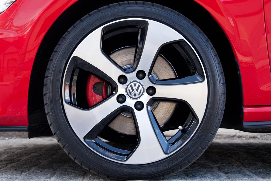 Volkswagen Golf GTI: До мурашек по коже