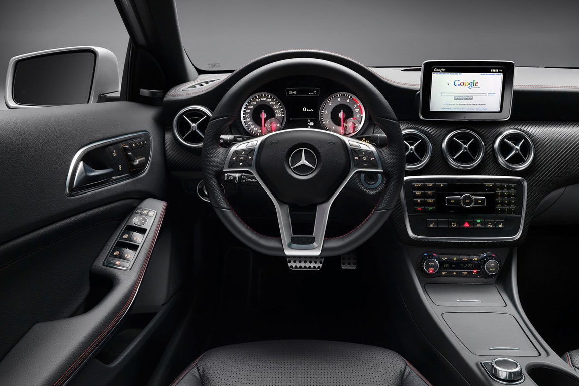 Meredes-Benz A-Class: Первая буква премиума из Штутгарта